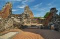 Mury kościoła włączonego do zamku