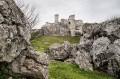 Zamek zza skał
