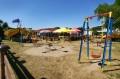 Plac zabaw przy jeziorze