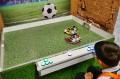 Gra w piłkę robotami
