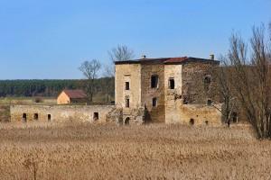 ĆMIELÓW - Ruiny zamku
