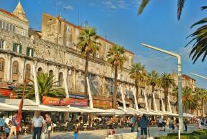 Mury pałacu Dioklecjana od strony Adriatyku