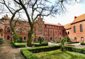 ZAMEK BIERZGŁOWSKI - Gotycki zamek krzyżacki