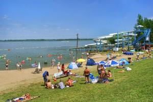 ABADSZALOK - Plaża nad jeziorem Cisa