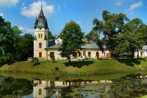 OLSZANICA - Pałacyk z basenami