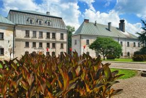 DUKLA - Pałac i park