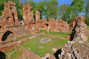 RACIĄŻEK - Ruiny zamku średniowiecznego