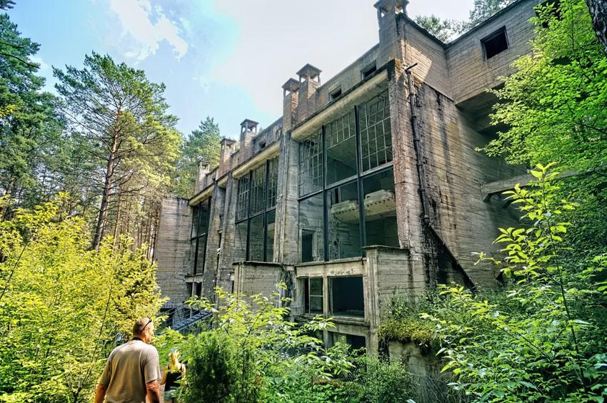 Jeden z budynków fabryki